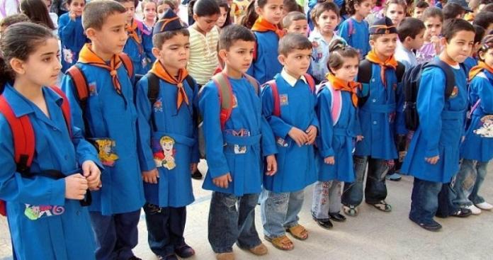 صفحات موالية تسخر من صلاة الطلاب في مدرسة بإدلب.. وناشطون يردون (صور)