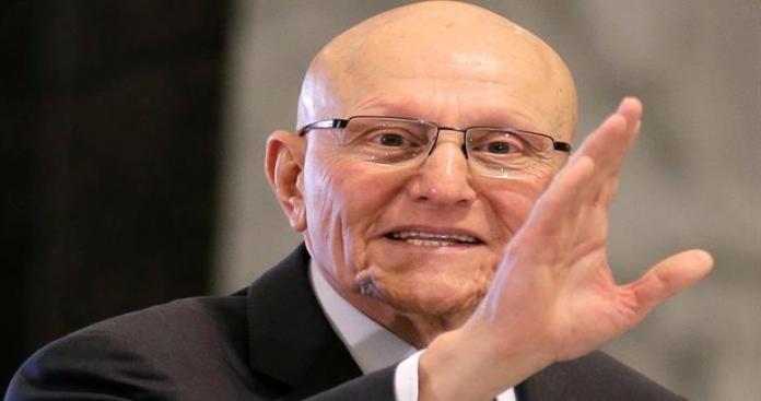 """رئيس الحكومة اللبنانية يعلق على استقالة وزراء """"حزب الكتائب"""""""