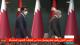 """بالفيديو.. تصرف غريب من """"أردوغان"""" مع أمير قطر على الهواء في تركيا"""