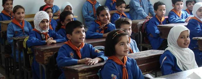بعد إفلاسه وتدهور اقتصاده.. نظام الأسد يفرض ضرائب جديدة على طلاب المدارس
