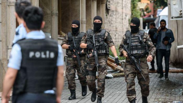"""بالصور.. تركيا تلقي القبض على سوري صور رسالة لـ""""البغدادي"""".. ماذا جاء فيها؟!"""
