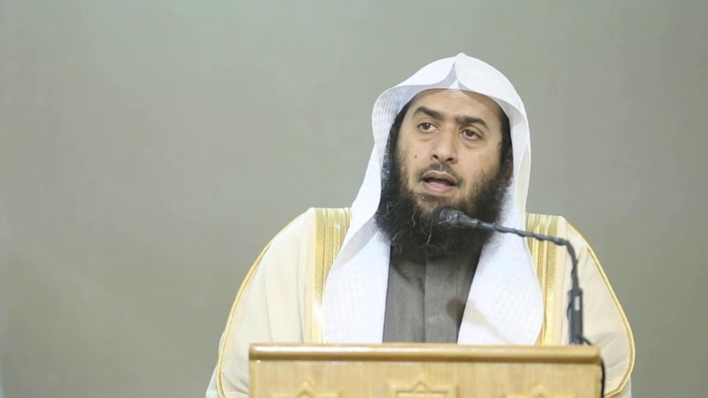 الداعية السعودي عمر المقبل يفتح النار على هيئة الترفيه
