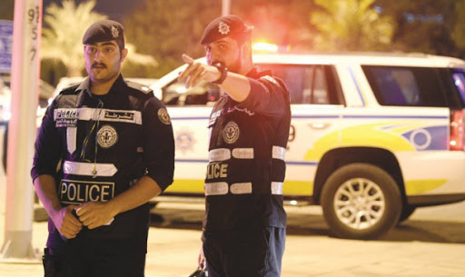 مكالمة هاتفية غريبة من امرأة مجهولة في الكويت تستنفر رجال الأمن
